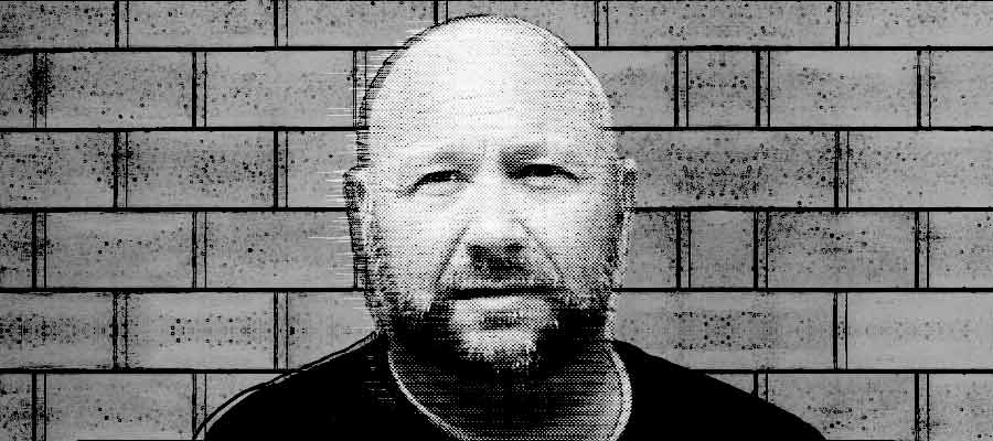 Alex Jones falsely charged with DWI in Texas. Jones had a blood alcohol a level of 0.079. The legal blood alcohol limit while driving in Texas is 0.08